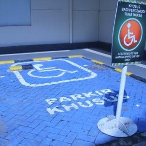 Parkir Khusus Untuk Penyandang Disabilitas