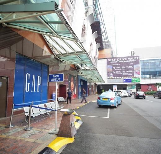 Taxi Drop-Off & Pick-Up (Silver Bird, Blue Bird & Express)  Pondok Indah Mall