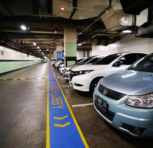 Parking Area  Pondok Indah Mall