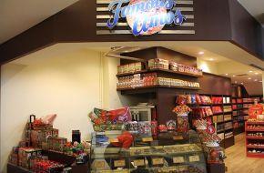 Cokelat Lind & Famous
